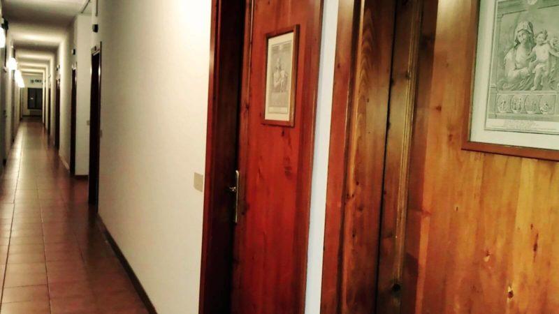 ジュデッカ島の寮の廊下