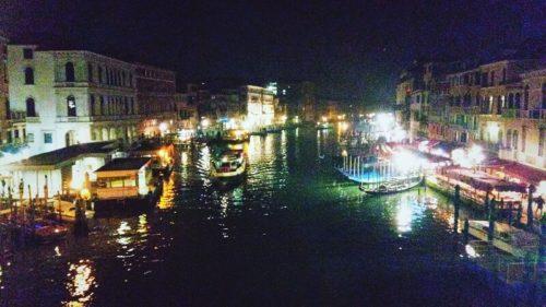 リアルト橋から眺めるヴェネツィアの夜景